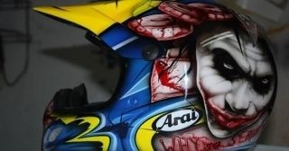 Aerografia - graffiti na kasku