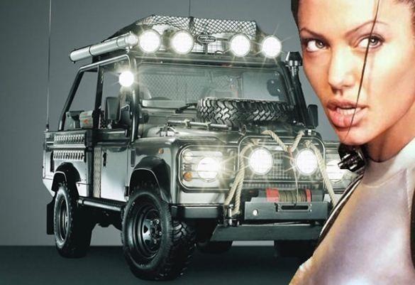 Land Rover Defender - Tomb Rider