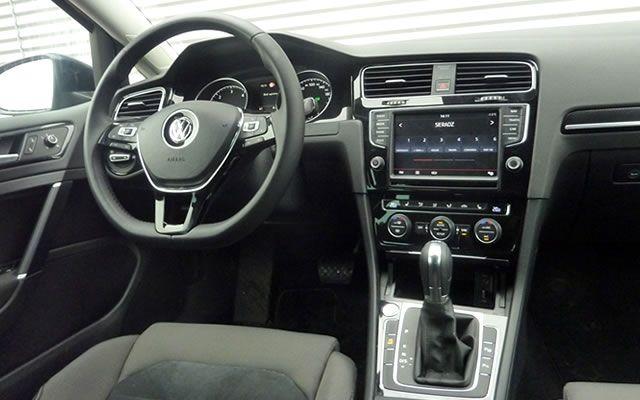 Volkswagen Golf VII - wnętrze