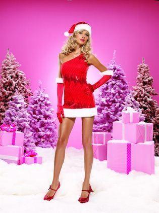 kobieta w stroju św. Mikołaja