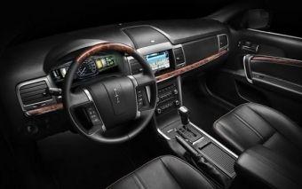 Lincoln MKZ z napędem hybrydowym - wnętrze