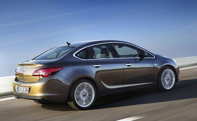 Opel Astra IV sedan