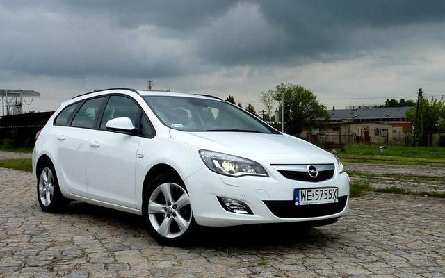Opel Astra Grand Tourer 1.4 Turbo 140 KM