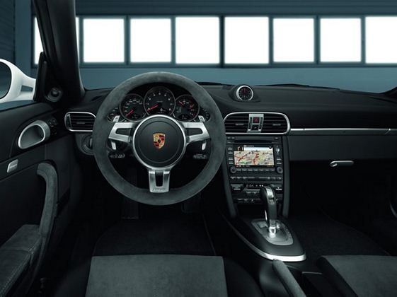 Porsche 911 GTS Carrera - wnętrze