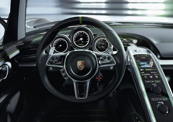 Porsche 918 Spyder - wnętrze