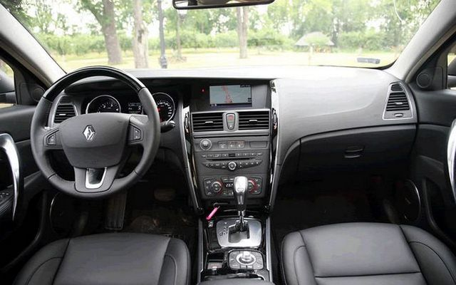 test renault latitude 3 0 dci v6 240 km francuska elegancja. Black Bedroom Furniture Sets. Home Design Ideas