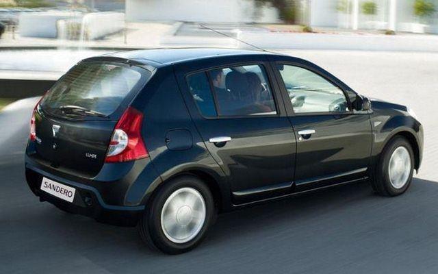 Dacia Sandero - spokojna linia nadwozia