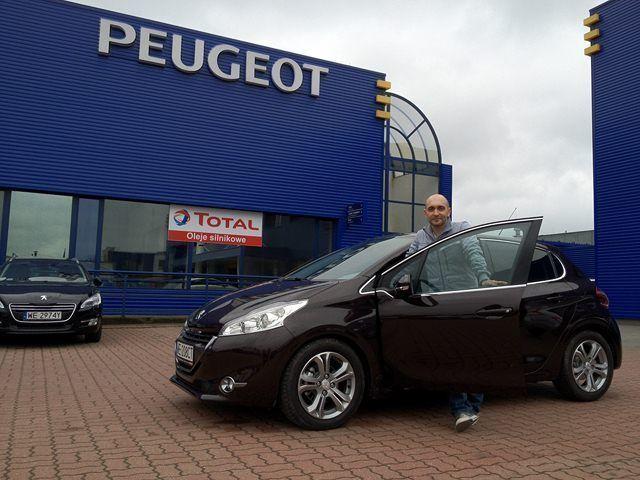 Peugeot 208 - Kominek