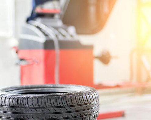 Precyzyjne urządzenie do zmiany opon samochodowych, ciężarowych i rolniczych